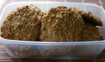 Хлебцы ржаные луковые