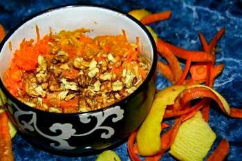 Салат с морковью и грецким орехом
