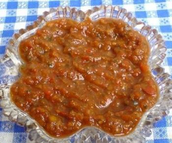 Сыроедческий соус из крапивы